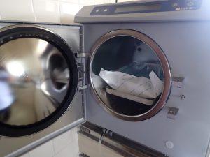 加藤歯科医院では、器具の滅菌を徹底しています。